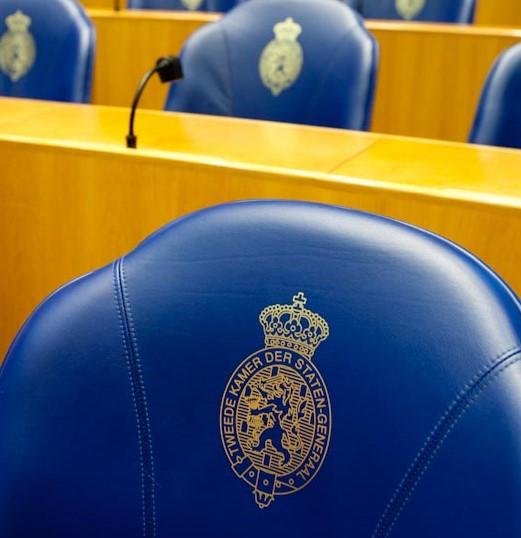 Minister zet stelselwijziging door ondanks kritische Kamer